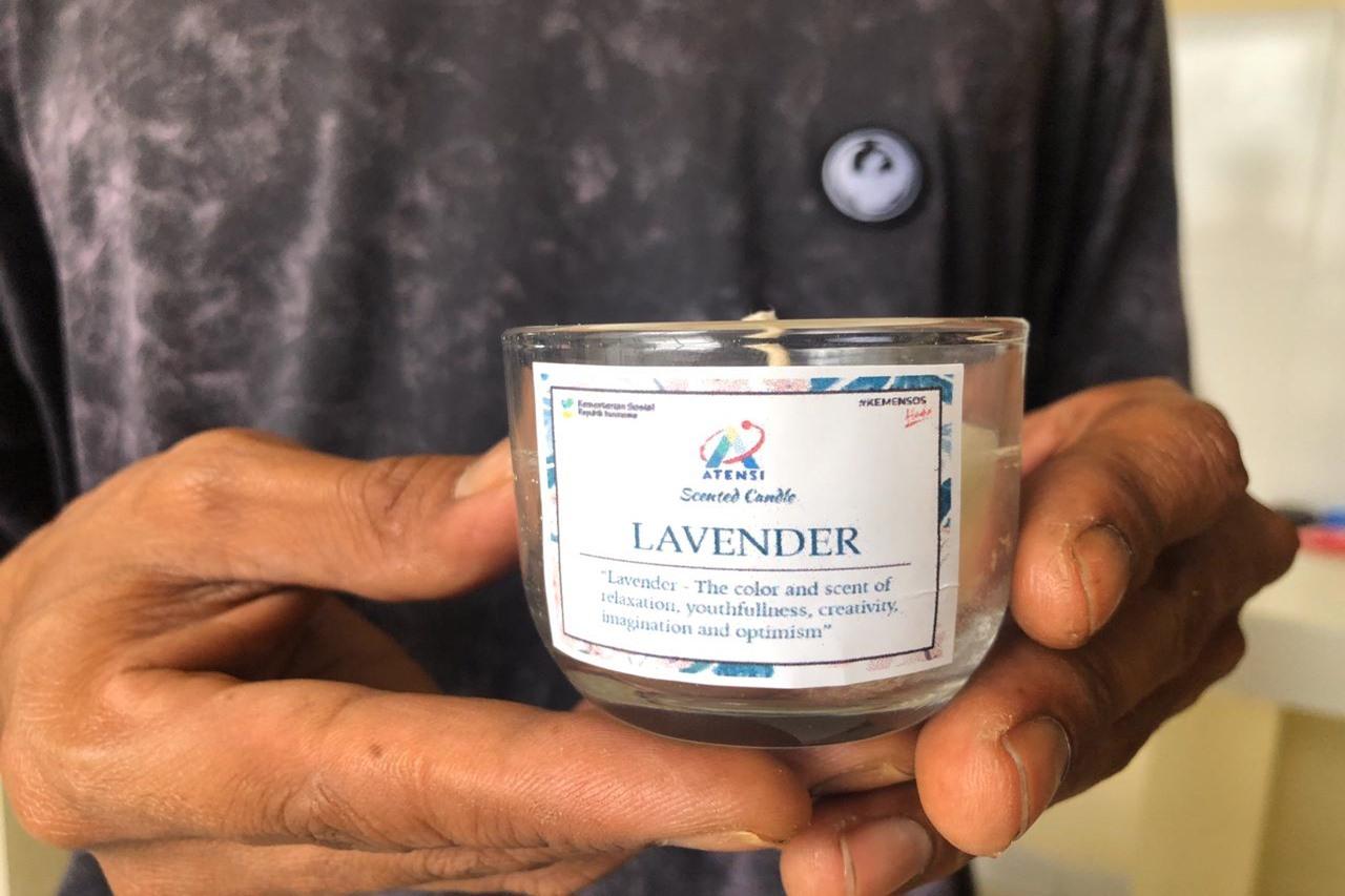 Kreasi Handycraft Atensi Scented Candle Loka Karya Pangurangi