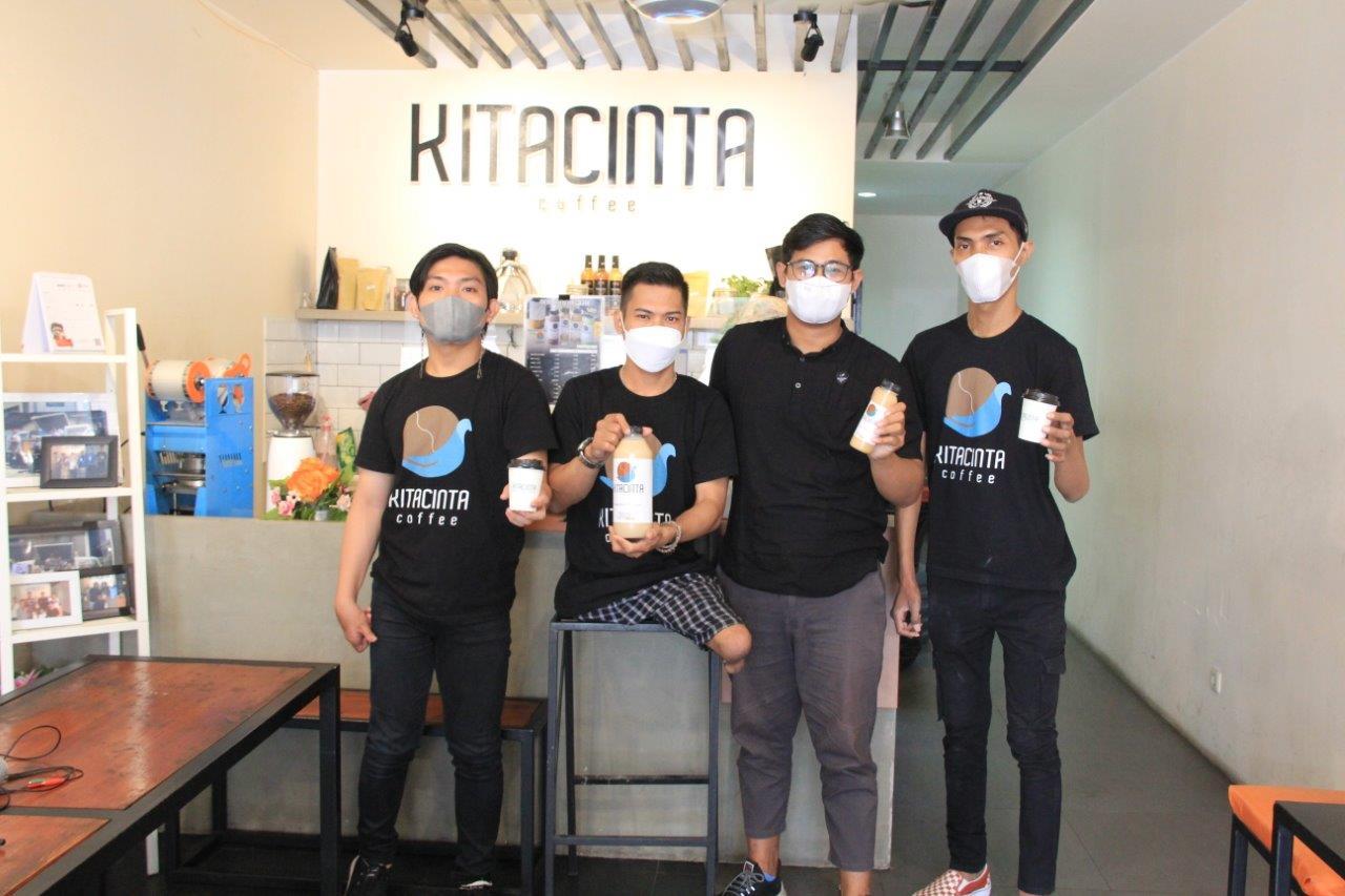 Keren! 4 Penyandang Disabilitas Rintis Kedai Kitacinta Coffee