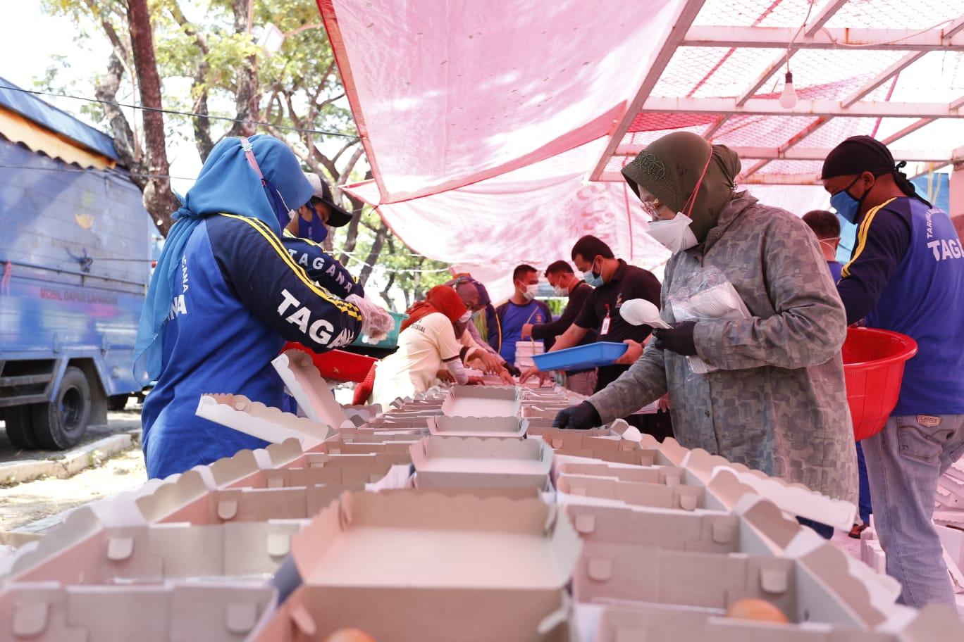 Mensos Sidak Dapur Umum Surabaya, Pastikan Dukungan Permakanan untuk Masyarakat Terdampak Pandemi