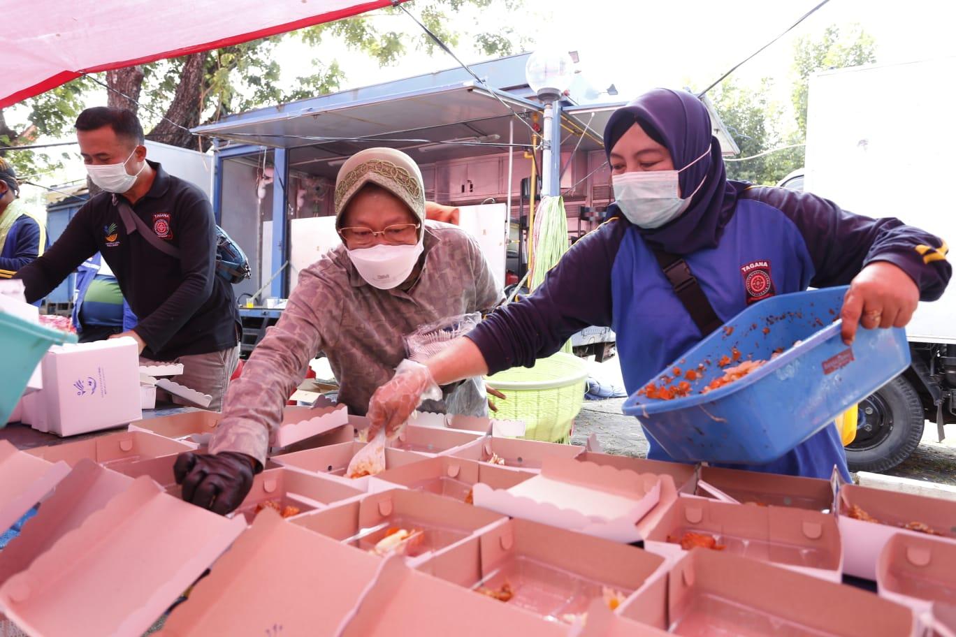 Detak Kehidupan dari Balik Tenda Biru, Dukungan Ribuan Makanan Siap Saji di Masa Kedaruratan