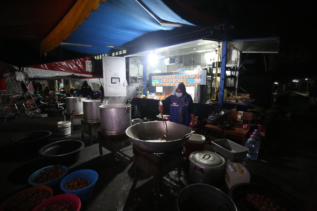 "Aktivitas Dapur Umum di BRSPDSN ""Wyata Guna"" Bandung"