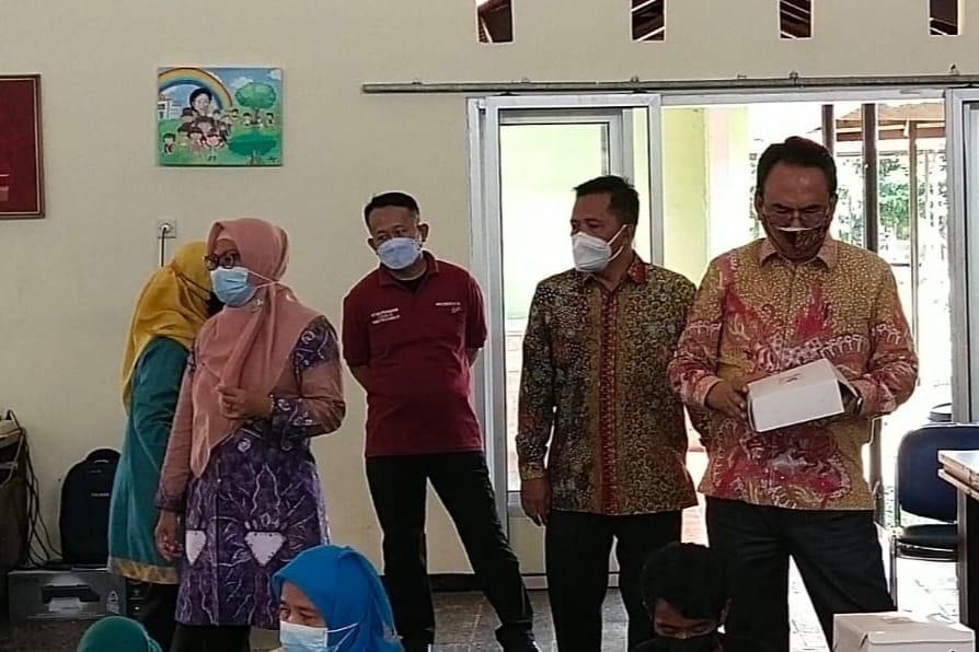 "Direktur Jenderal Rehabilitasi Sosial, Tinjau Langsung Dapur Umum Balai ""Ciungwanara"""