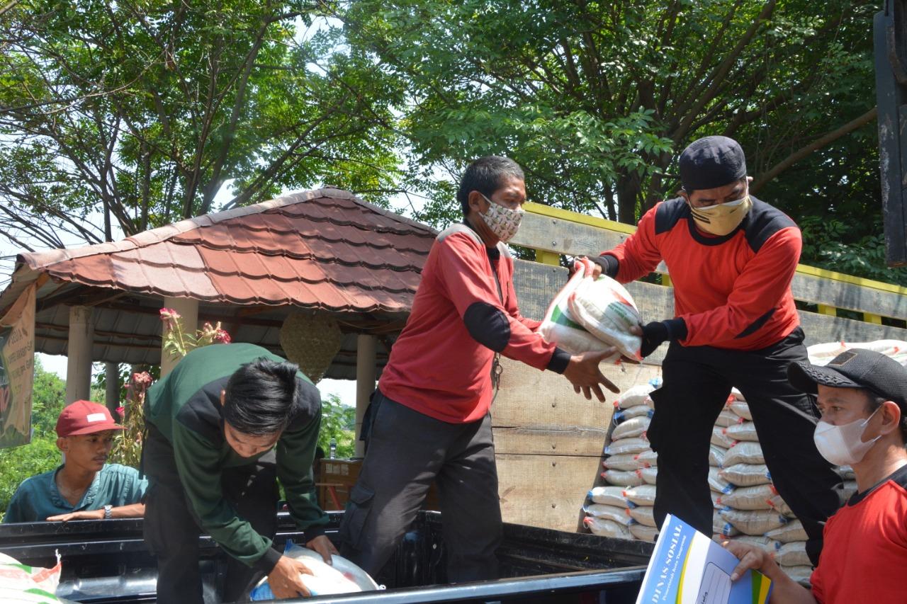 Kemensos Salurkan 3.000 Paket Beras untuk Warga Terdampak PPKM Darurat di Kota Tangerang