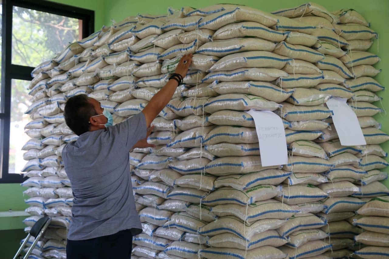 Penyaluran Bantuan Beras untuk Warga Kabupaten Bogor