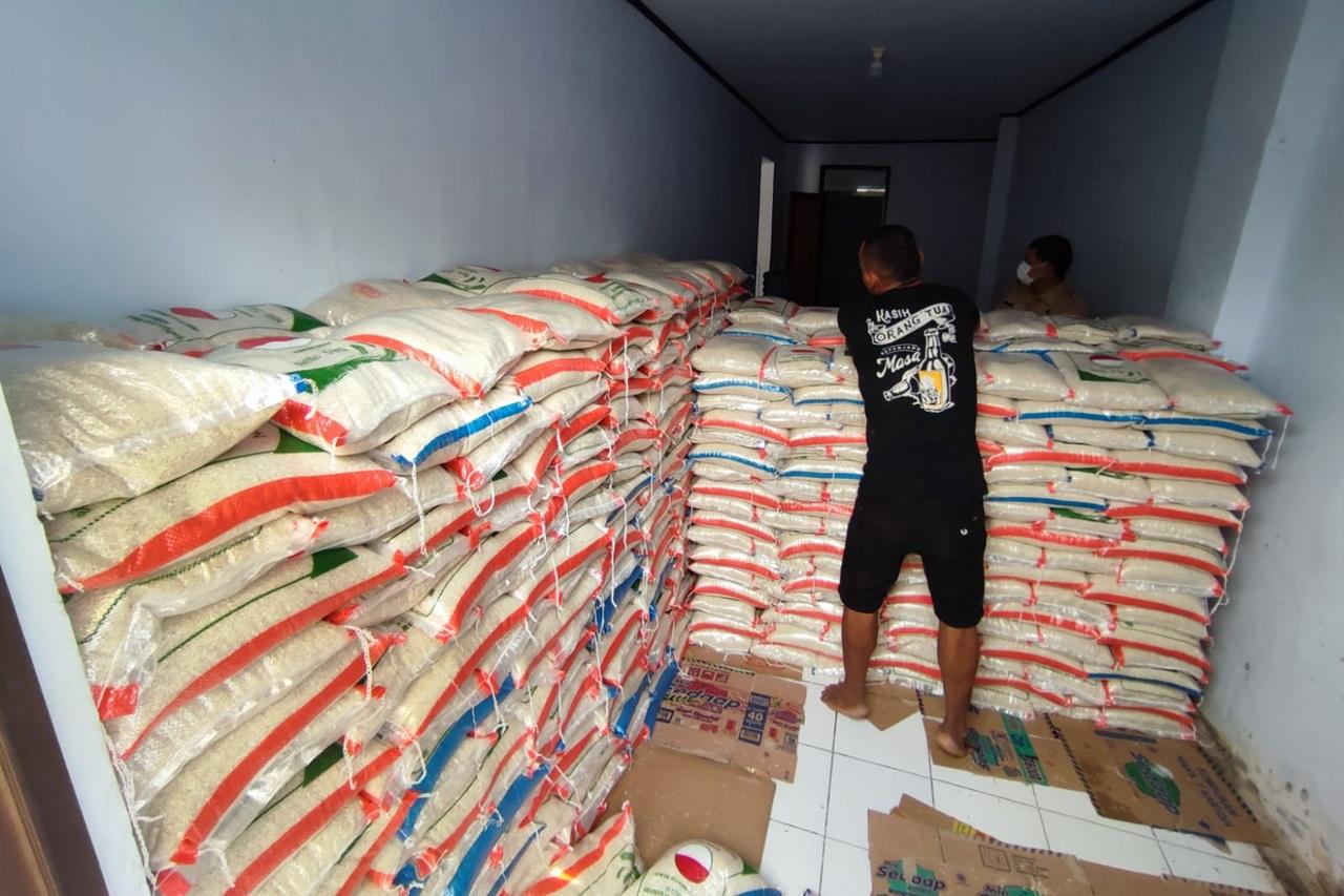 Penyaluran Bantuan Beras untuk Warga Kabupaten Pandeglang