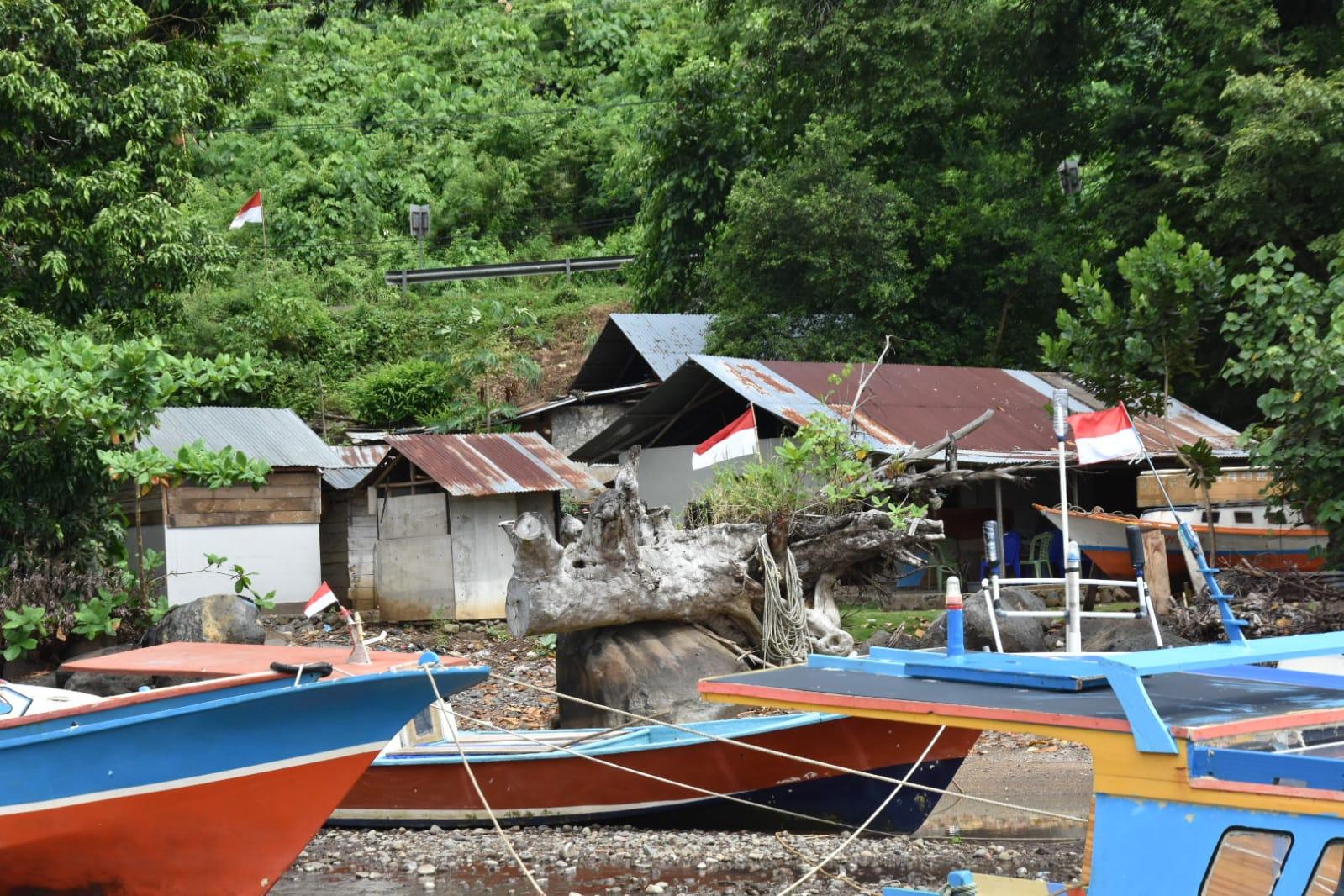 Rumah Calon Penerima Bantuan RS Rutilahu Dampak dari Bencana Gelombang Pasang Mandolang Ditinjau Kelayakannya