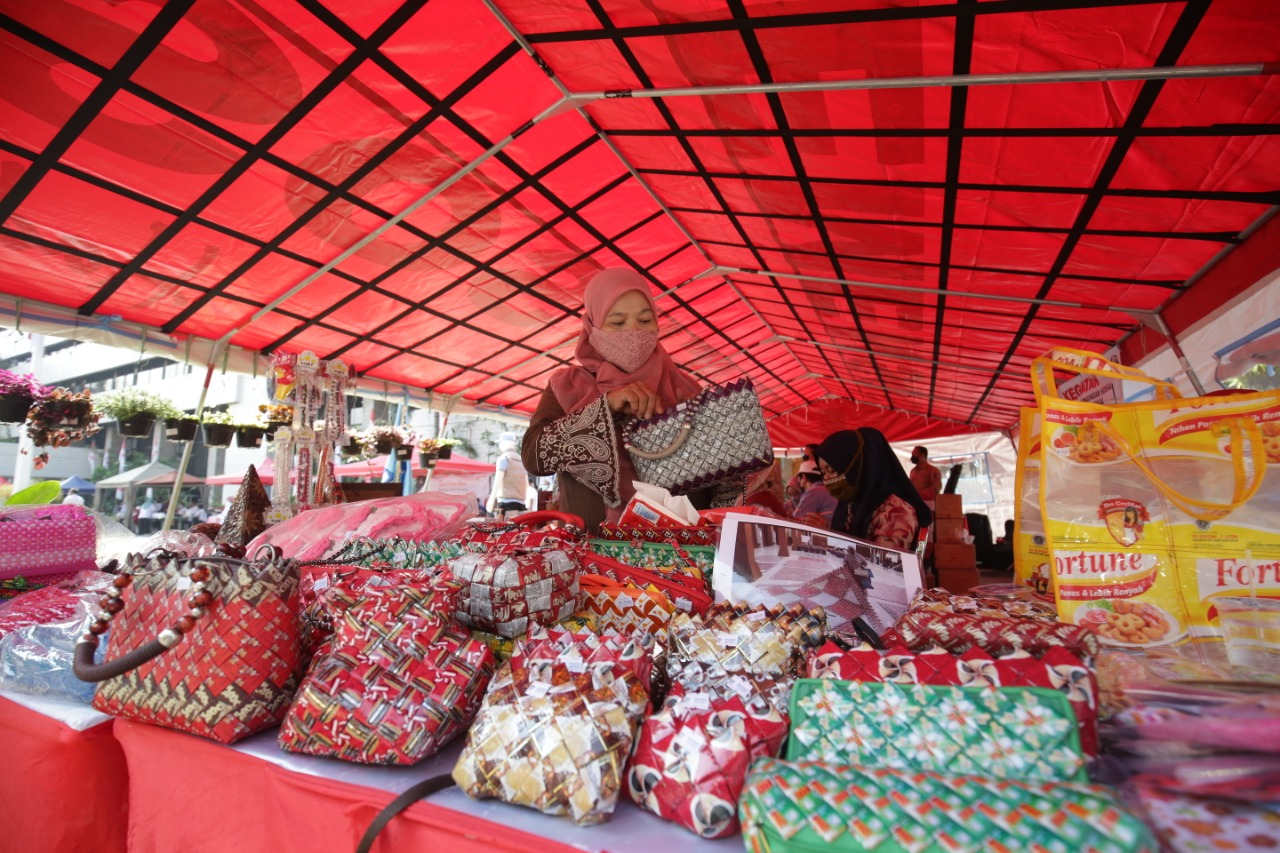 Ahead of the 76th Indonesian Independence Day, the Ministry of Social Affairs Holds Bazaar and Exhibition