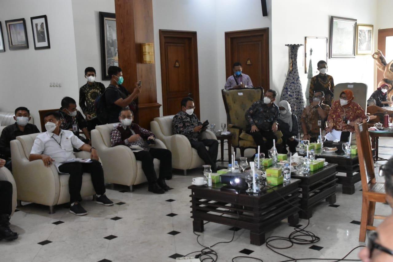 Mensos Pimpin Rapat Rekonsiliasi Data Bansos dengan BNI di Kabupaten Sragen