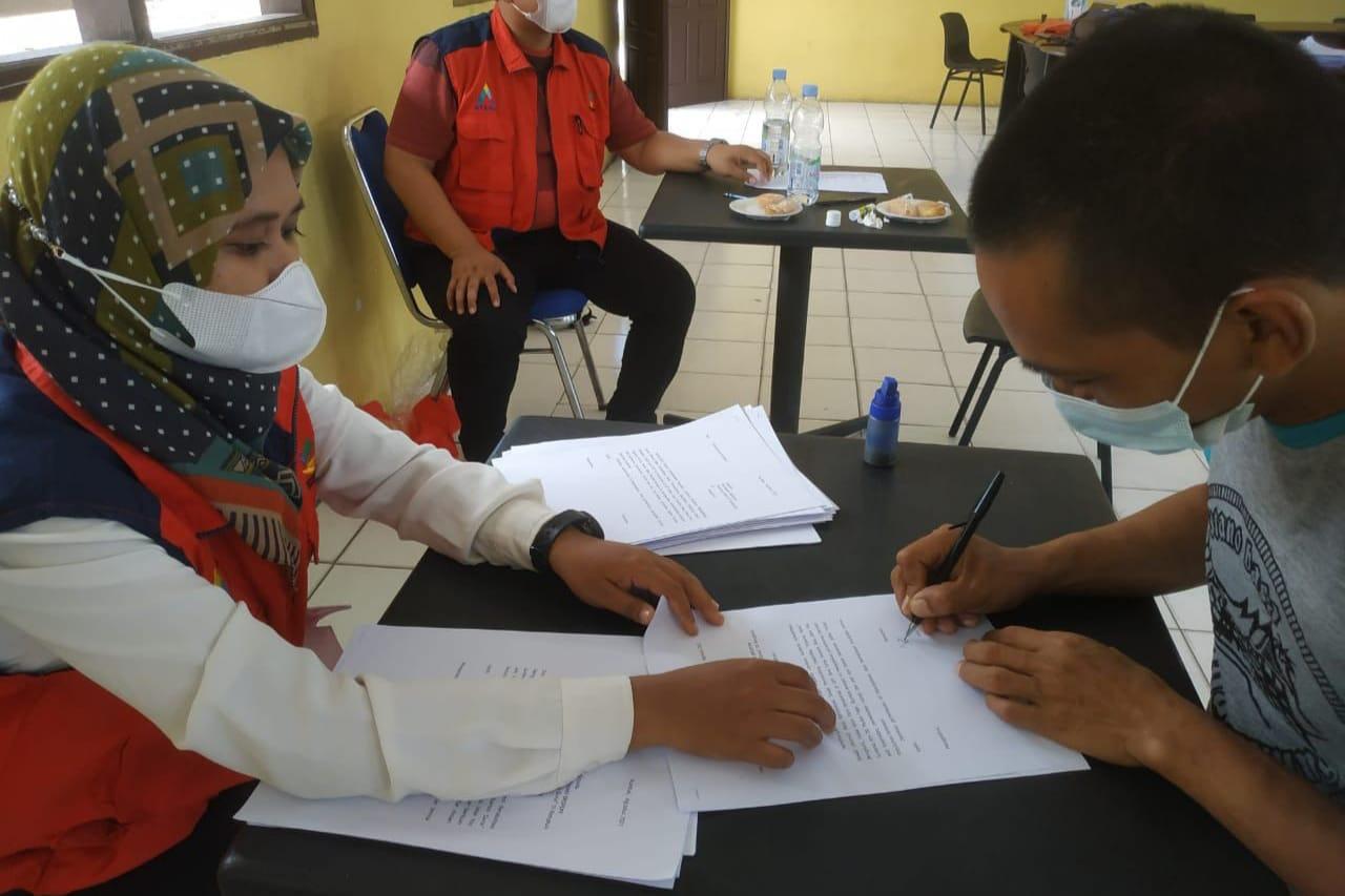 Kemensos Salurkan Bantuan ATENSI Untuk Penerima Manfaat UPT Bina Laras Riau