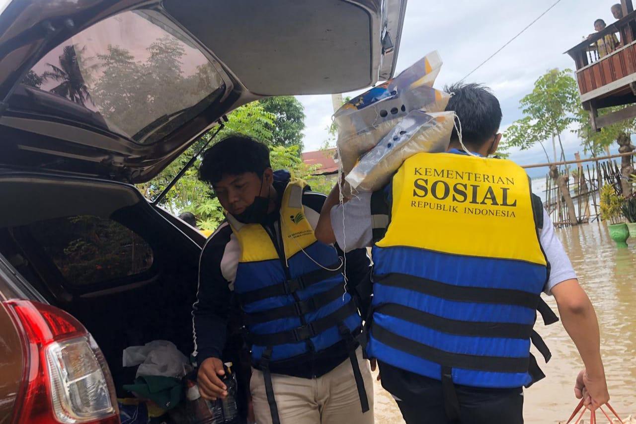 Kementerian Sosial Bantu Korban Banjir Kabupaten Soppeng Sulawesi Selatan