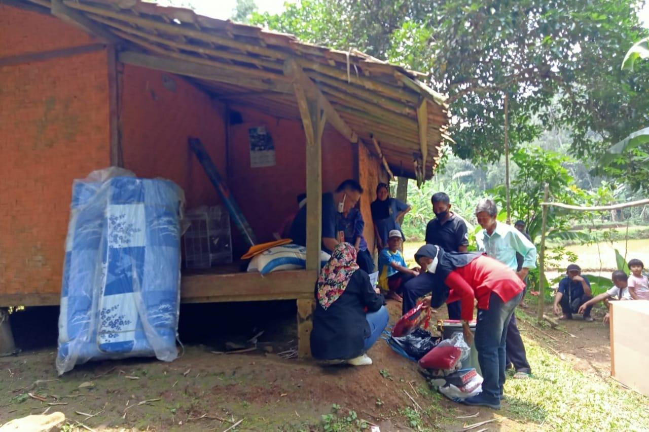Kementerian Sosial Berikan Layanan ATENSI kepada Nenek Ucih, Penyandang Disabilitas di Sukabumi