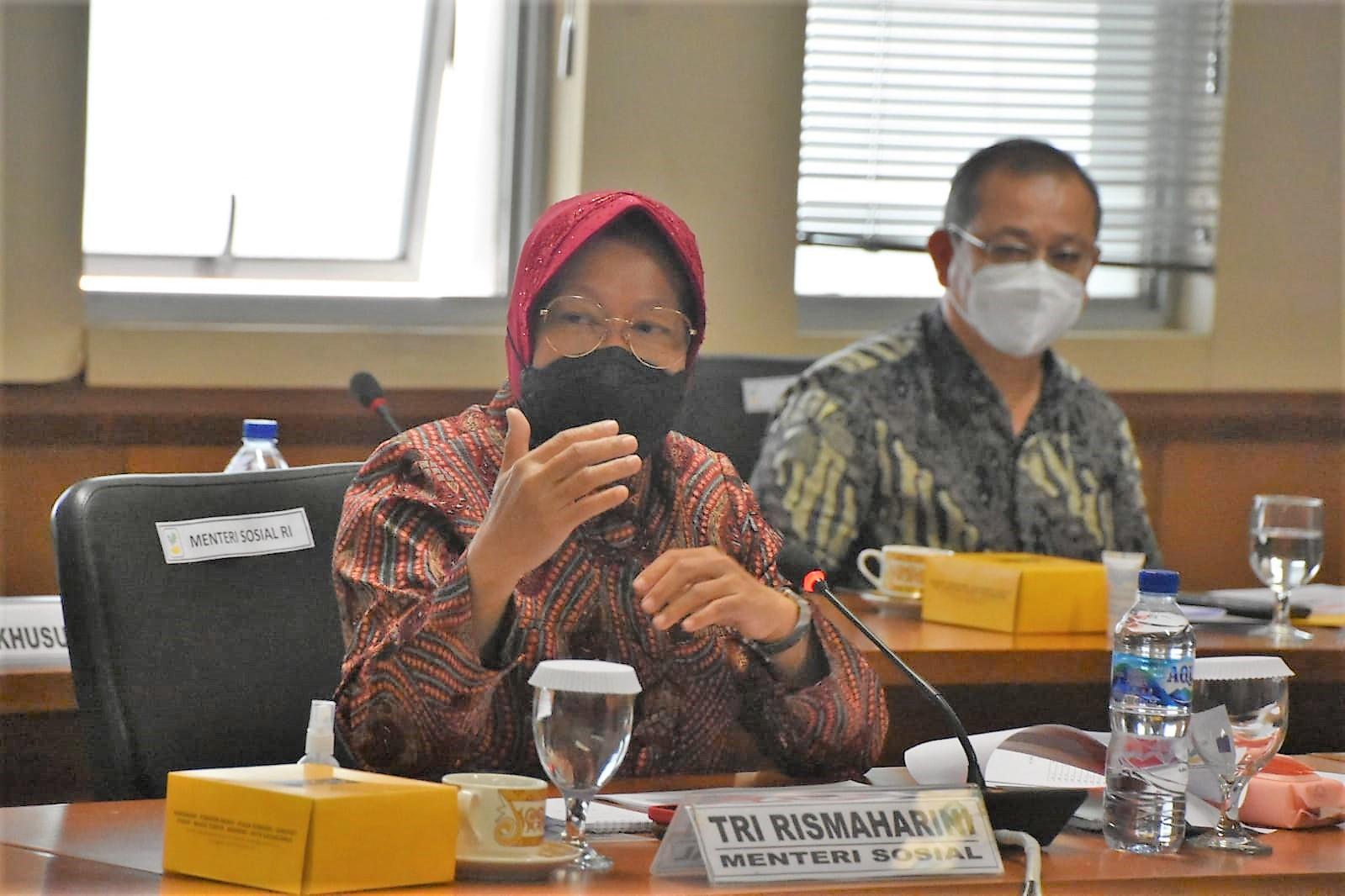 Mensos Sampaikan Dua Pendekatan Dalam Penanganan Kemiskinan Kepada Komite III DPD RI