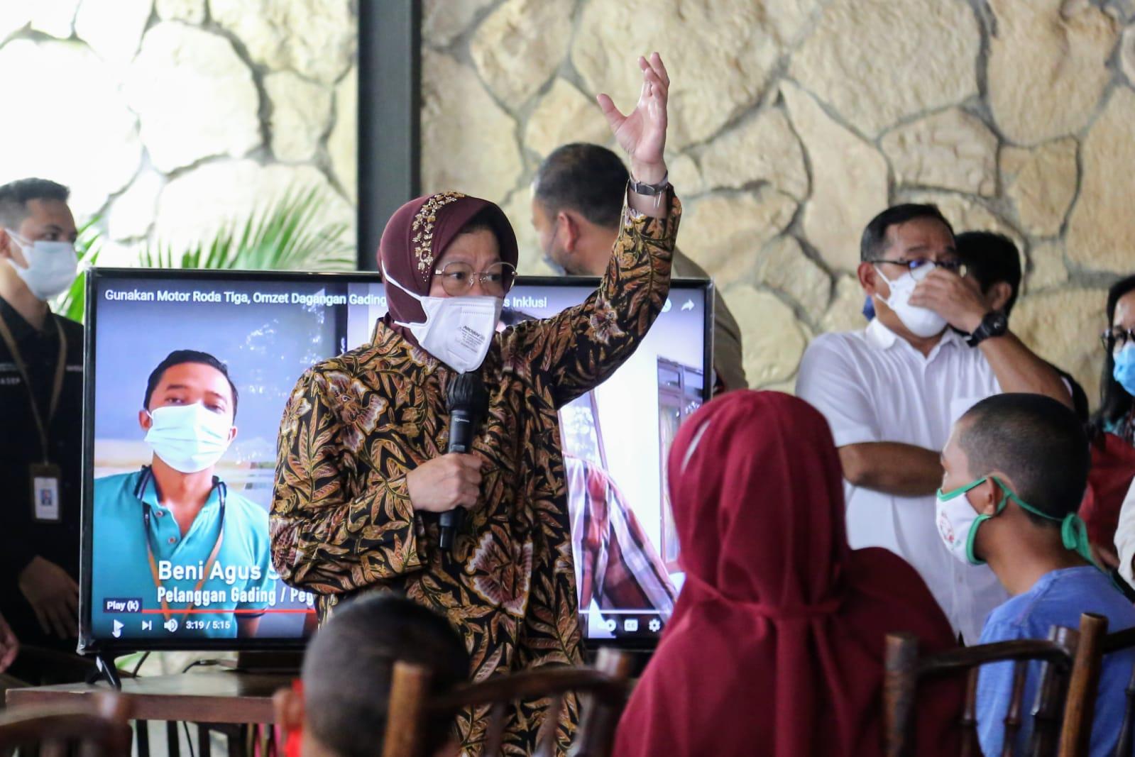 Kemensos Serahkan Berbagai Bantuan bagi Masyarakat di Gorontalo