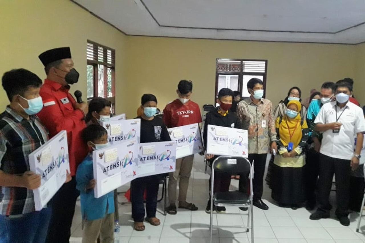 Kemensos dan DPR RI Salurkan Bantuan ATENSI di Provinsi Lampung