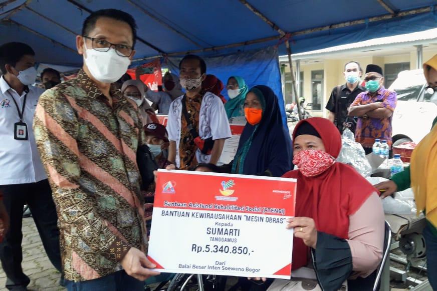 Kunjungan Komisi VIII DPR RI ke Lampung, Kemensos Berikan Bantuan Anak Yatim hingga Bantuan Usaha KPM PKH Graduasi