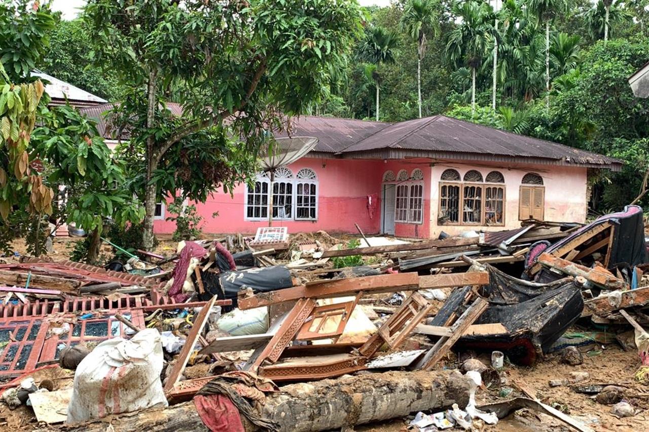 """Balai """"Rumbai"""" Beri Layanan """"Trauma Healing"""" dan Paket Bantuan bagi Korban Banjir dan Longsor"""