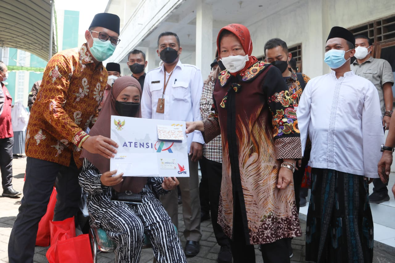 Kemensos Salurkan Berbagai Bantuan di Bangkalan