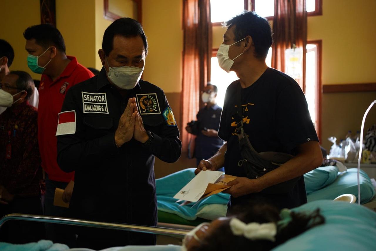 Kemensos Salurkan Bantuan bagi Warga Terdampak Bencana Longsor dan Gempa Bumi di Bali